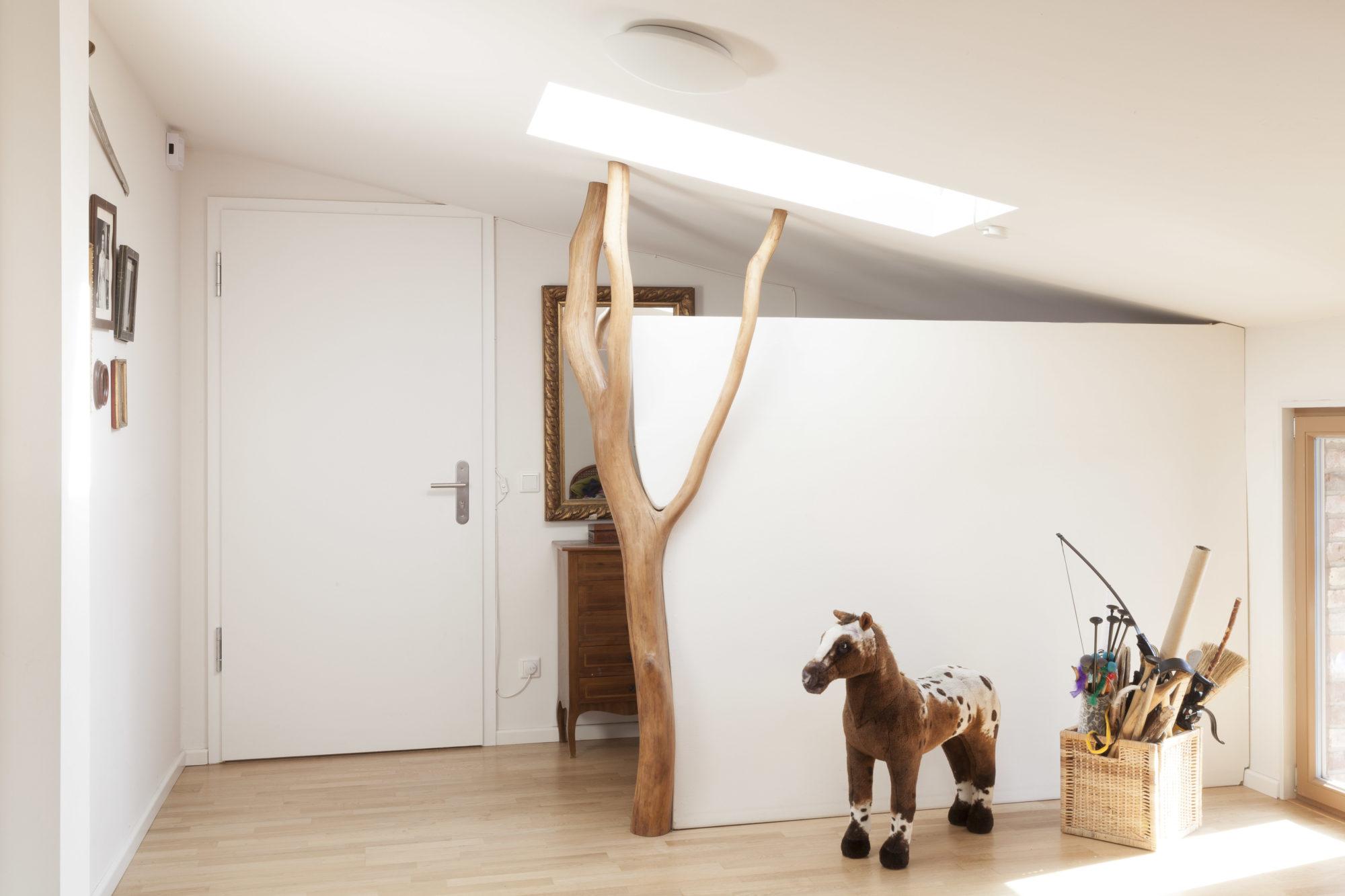 flur mit natur badabaum. Black Bedroom Furniture Sets. Home Design Ideas